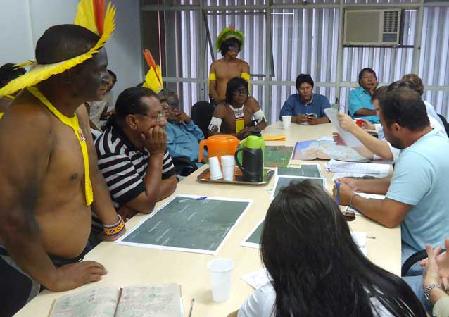 Indigenous delegation meets with government representatives to discuss land demarcation