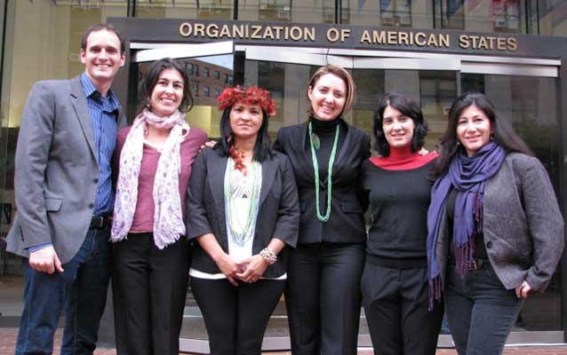Sheyla Juruna brings her people's case to the Inter-American Commission on Human Rights alongside allies from Amazon Watch, Justiça Global, AIDA, and SDDH.  Photo: Amazon Watch