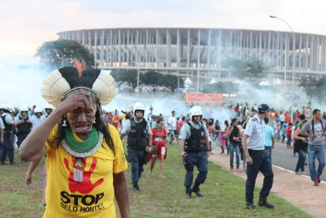 Chief Raoni walking away from protests in Brasilia. Photo credit: Maira Irigaray / Amazon Watch