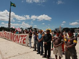 Dam-Affected People Deliver Half a Million Signatures Calling on Brazil's President Dilma to Stop the Belo Monte Dam