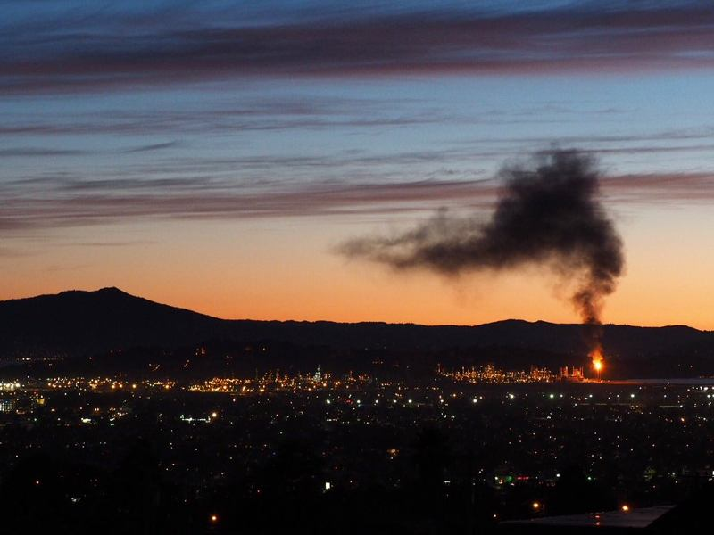 Chevron's Richmond refinery flare at 9:30 pm. Photo credit: Jeremy Miller